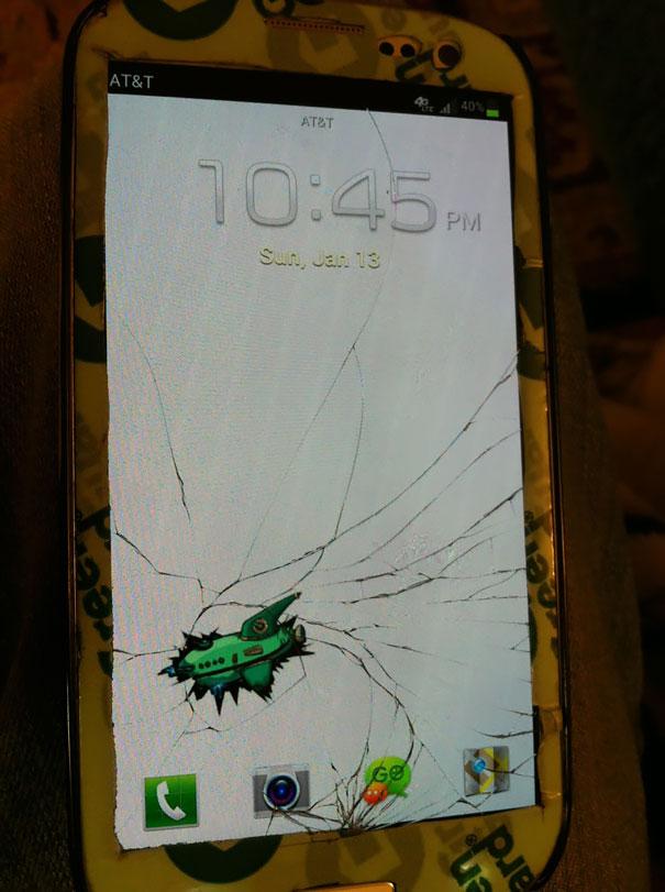 19 modi creativi per aggiustare lo schermo rotto dello smartphone